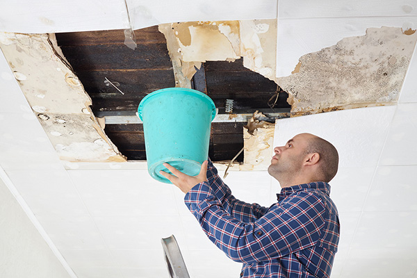 Leaking Roof Don T Stick A Bucket Under It Do This Instead